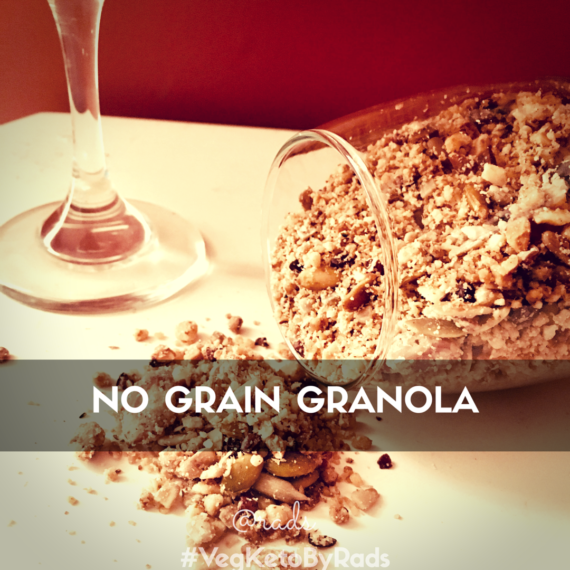 It's possible to have cereal while you keto, and grains aren't all that indispensable! Here is a quick and easy and nutritious nutty no grain granola that fills and is tasty while being fully keto approved.